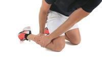 Globuli und Nadeln halfen bei Schmerzen im Schienbein