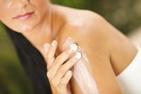 Neurodermitis: Pflege muss zum Hautzustand passen