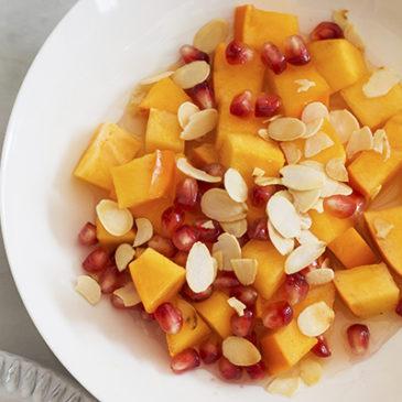 Obstsalat mit Kaki und Granatapfel