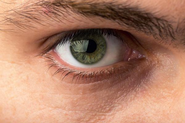 Wie die Psyche das Augenlicht beeinträchtigt