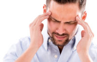 Bärtiger Mann, Kopfschmerz