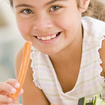 Bauchweh: Auch bei Kindern kann der Darm schuld sein