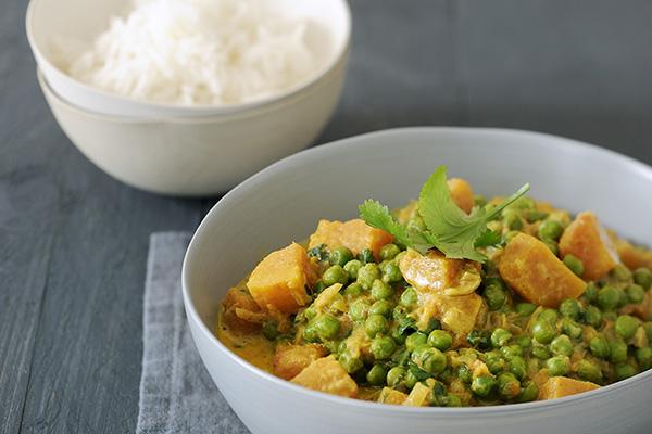 Süßkartoffel-Curry mit Erdnüssen